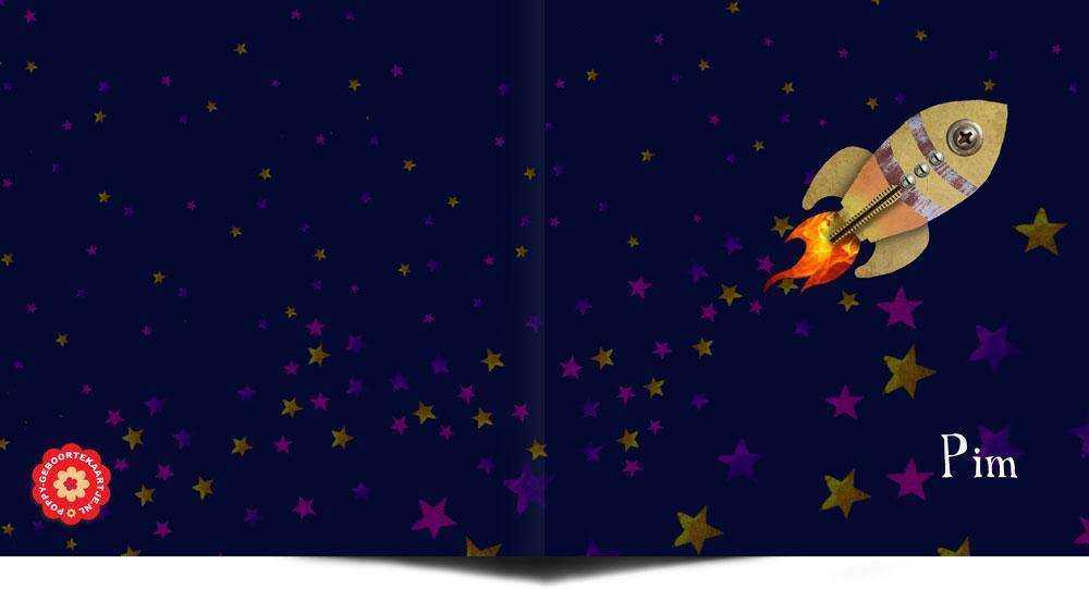 Geboortekaartje space voor een lieve kleine jongen. De space geboortekaartjes zijn een trend in geboortekaartjes van 2017. Ze zijn stoer, avontuurlijk en vliegt over de wereld. Want de hele wereld mag het weten! Love you to the moon and back.