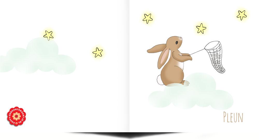 Geboortekaartje handgetekend met konijntje dat sterren uit de hemel aan het vangen is vanuit zijn wolkje.