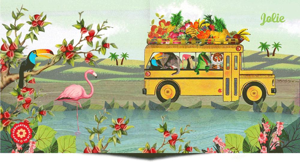 Geboortekaartje retro bus met dieren in zomers landschap. De tijger, krokodil, papegaai, olifant, flamingo en toekan gaan een reis maken.