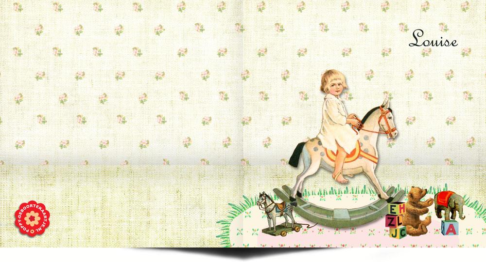 Nostalgisch geboortekaartje met kind op hobbelpaard en vintage speelgoed