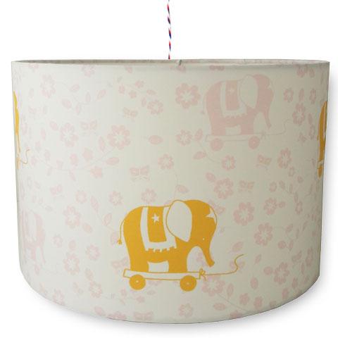 Kinderlamp met oliantje in de kleuren roze en geel. Voor een meisjeskamer of babykamer ideaal te combineren.