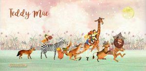 Dieren parade in oud roze en groen met maan en sterren. De vos, giraffe, kangoeroe, zebra, leeuw en koe zijn op weg naar het pasgeboren kindje.