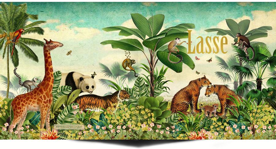 Jungle geboortekaartje met panter jaguar familie. Apen, vlinders, bloemen en palmen.