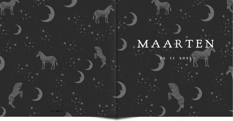 Geboortekaartje bohemian zebra, sterren, maan. Natuurlijke elementen komen veel terug in de geboortekaartjes van Studio POPPY. Maan, sterren, jungle dieren, botanische elementen. Kortom een geboortekaartje volgens de laatste trends. Ontwerp jouw persoonlijke kaart in de ontwerptool.
